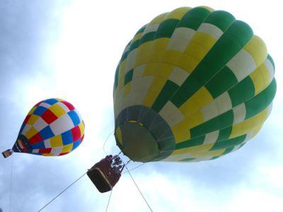 2基の熱気球